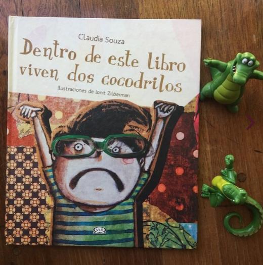 Dentro de este libro viven dos cocodrilos. [Reseña]